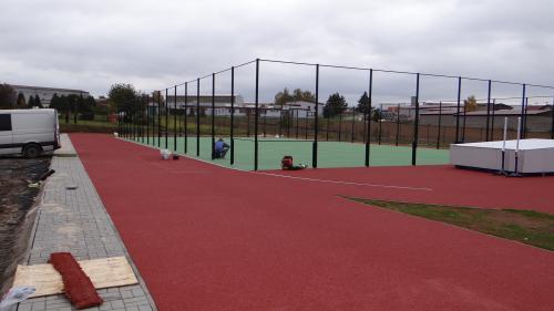 Průběh stavby nového sportovního areálu u Základní školy v Dolních Kralovicích
