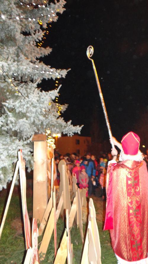 Vánoční jarmark a rozsvícení vánočního stromu
